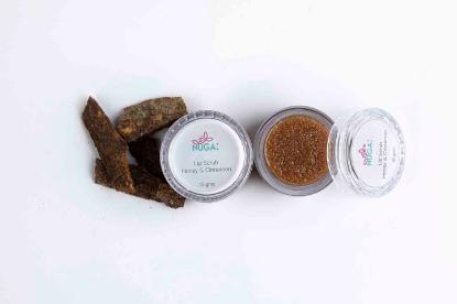 Picture of Nuga Lip Scrub Honey & Cinnamon